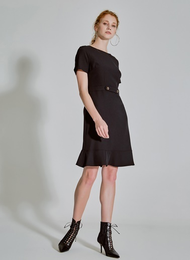 People By Fabrika Volan ve Düğme Detaylı Elbise Siyah